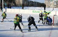 """Хоккейный корт """"Непобедимый"""""""